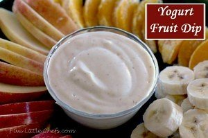 An easy Yogurt Fruit Dip from fivelittlechefs.com with only 4 ingredients. Mix all together well and serve with fresh fruit. #yogurt fruit dip #recipe