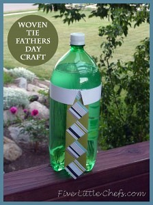 DIY Woven Tie is a great Fathers Day craft idea. This is one of those kids crafts that can be personalized for their Dad. Add it to his favorite drink with an included printable.