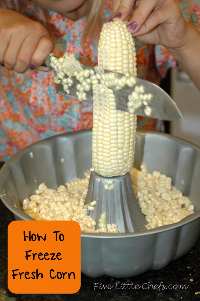 Do you love fresh corn? Learn how to freeze fresh corn to enjoy it in the winter. It is so easy and simple!