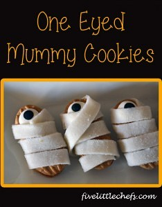 One Eyed Mummy Cookies from fivelittlechefs.com is a super quick Halloween treat kids can make themselves! #mummy #halloween