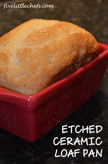 Etched Ceramic Loaf Pan from fivelittlechefs.com #glassetching
