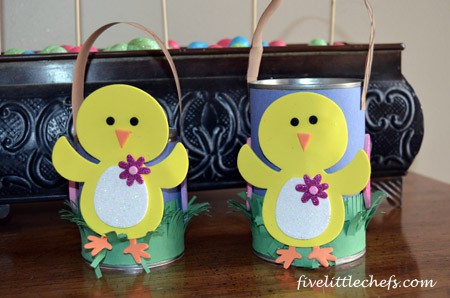 Easter Crafts from fivelittlechefs.com A fun craft for #Easter.