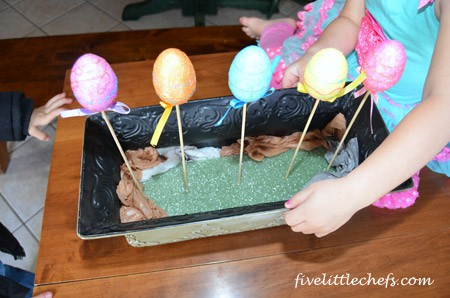 Easter Egg Planter from fivelittlechefs.com #easter #kidscrafts