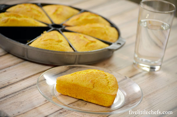 This is an easy sweet cornbread recipe. It is fluffy and moist. Takes 35 minutes from start to finish.
